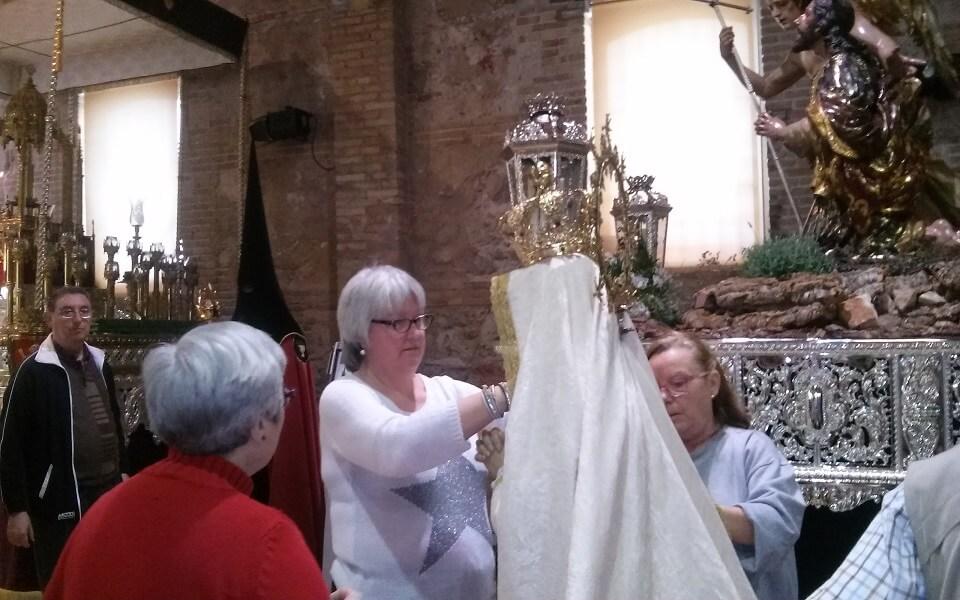 preparando el Domingo de Resurrecció Museo Semana Santa Marinera