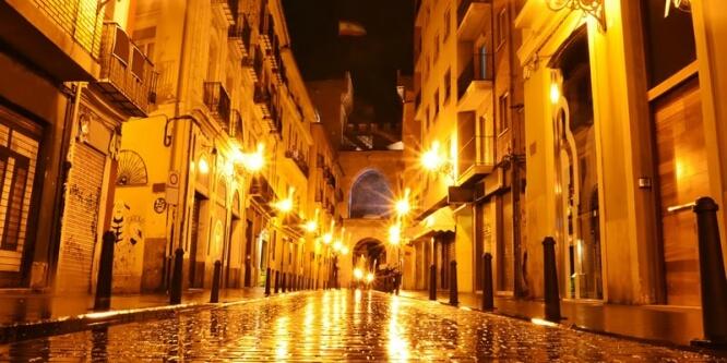 Valencia-de-noche foto valencia secreta